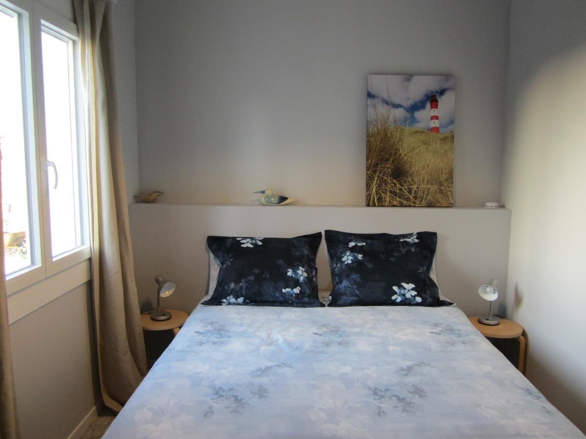 groot bed in vakantiehuis in frankrijk