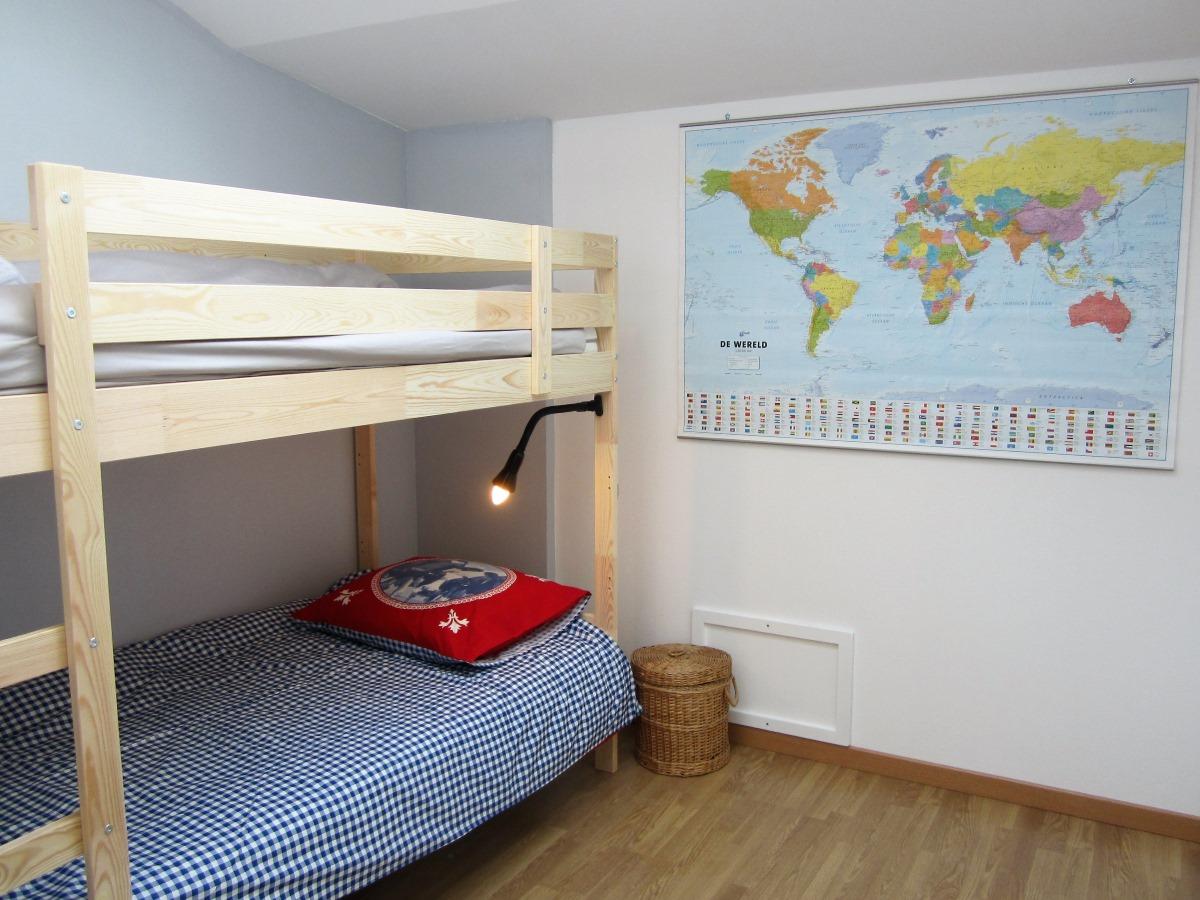 2e slaapkamer met stapelbed