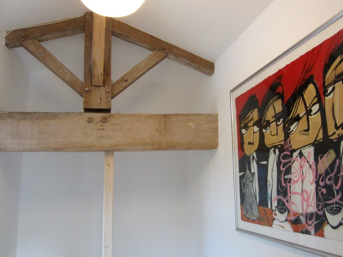 originele houten contructie bij de overloop