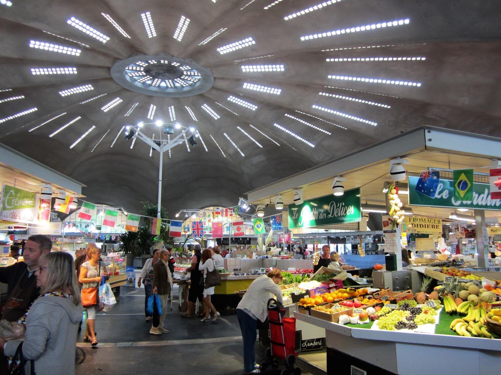 Le Petit Chenac overdekte markt in Royan