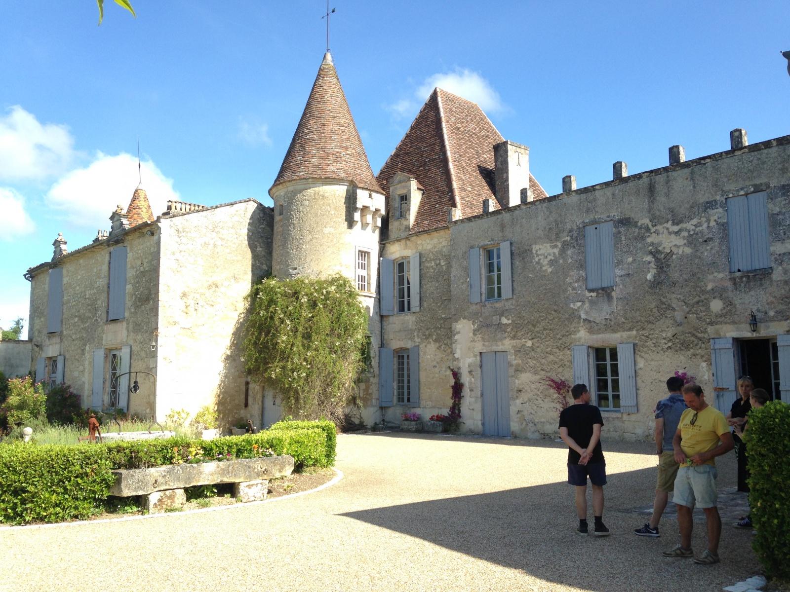Château la Tulipe Ilja Gort Le Petit Chenac Gîtes